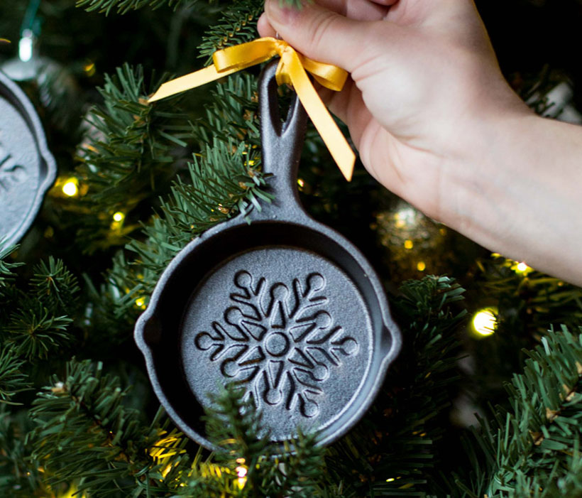 Holiday Mini Skillet by Lodge