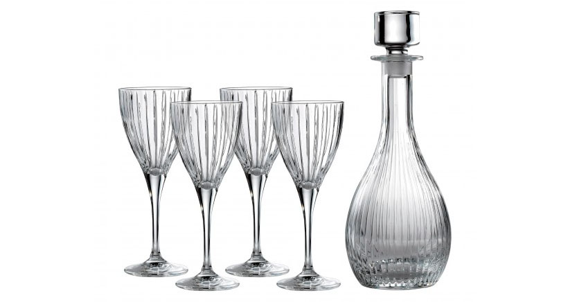 Elegant A Set of 4 Linear Wine with Wine Decanter from Royal Doulton